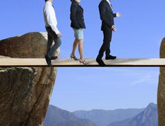 brecha ejecutivos puente